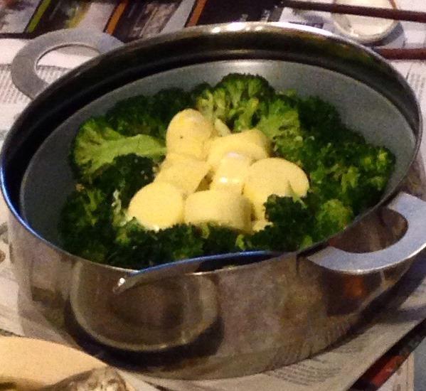 Broccoli and Tofu in Egg Sauce